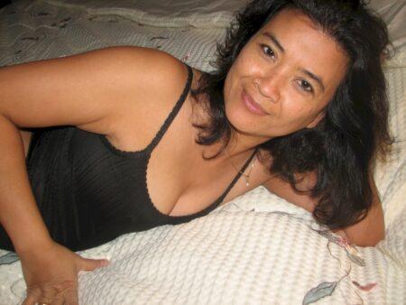 Femme asiatique recherche son coquin pour un plan cul