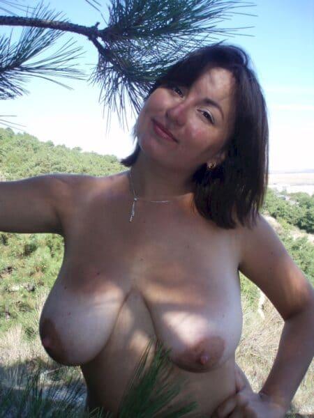 Femme infidèle cherche un libertin sur Toulon pour du plan cul