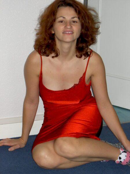 Femme infidèle sexy réellement sexy cherche un homme pudique