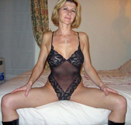 Femme mature coquine cherche un coquin pour un plan sexe sur le 06