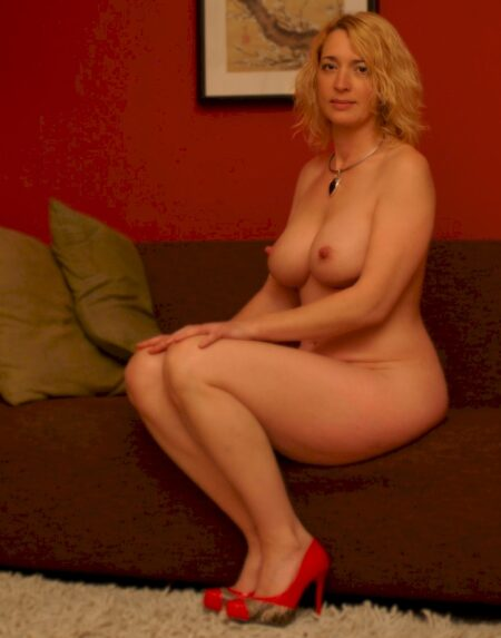 Femme mature soumise pour mec expérimenté souvent disponible