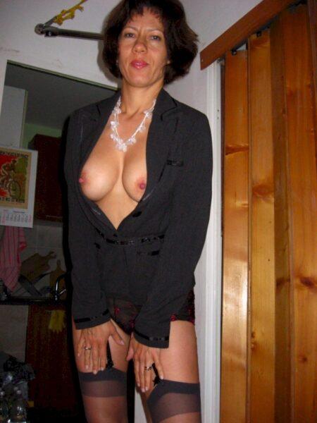 Libertine sexy vraiment très romantique cherche un mec charmant