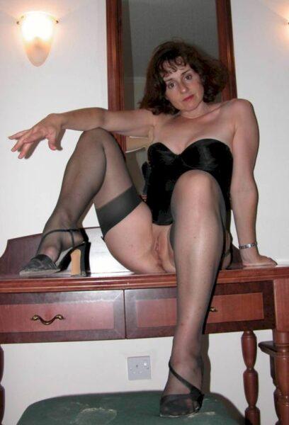 Pour libertin clean dispo qui aimerait une femme cougar sexy