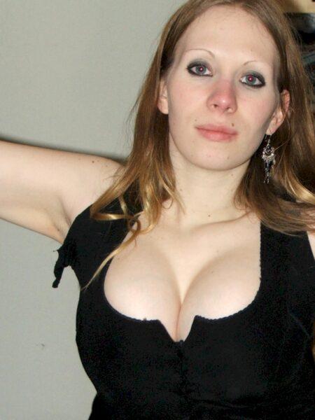 Très jolie femme seule qui cherche un bon plan baise pour un soir