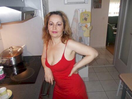 Une femme cougar sur le 05 pour vous